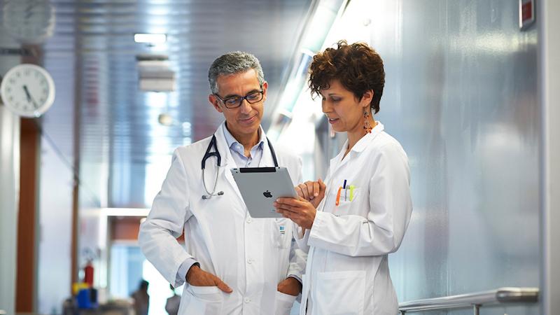 Fiche médicale dans un hôpital connecté.
